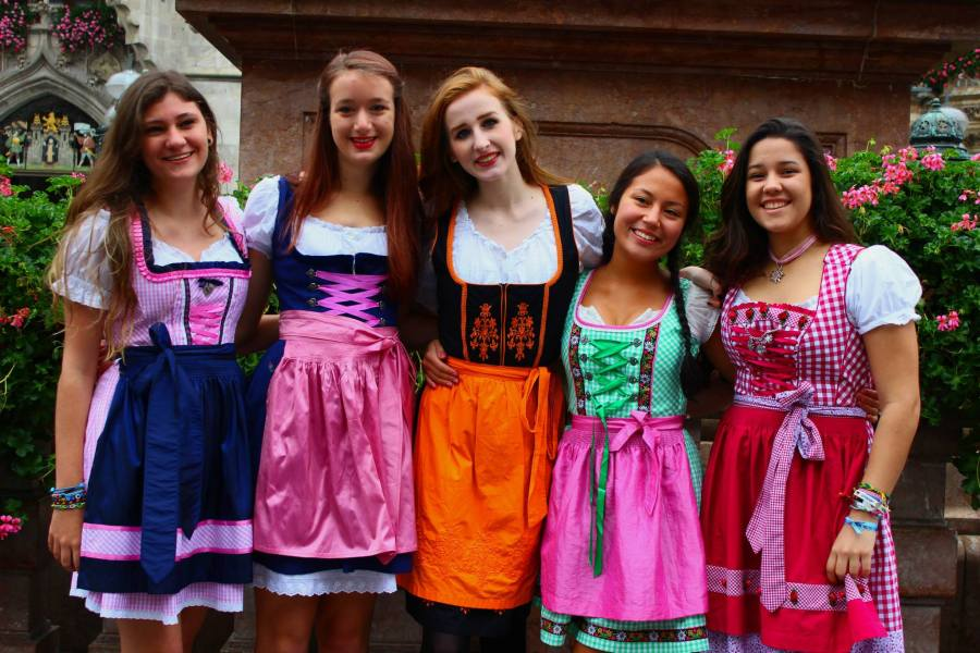 Dirndl Girls